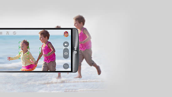 Take great pictures in an instant, with the 13 megapixel camera